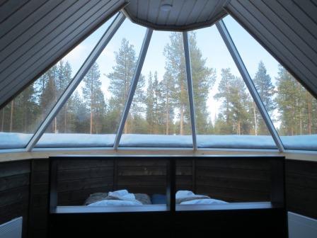 フィンランドのオーロラホテル、ガラス張り、ガラスイグルー、オーロラビレッジ、イバロ