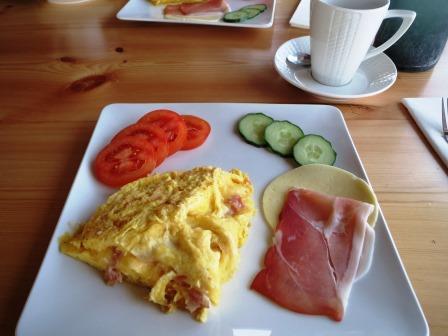 フィンランド トナカイ 朝食
