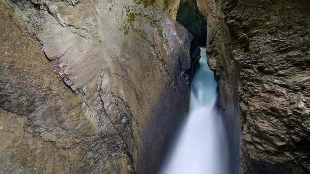 ラウターブルンネン トリュンメルバッハの滝