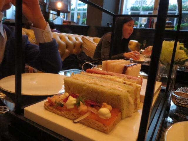 ローズウッドホテル、アフタヌーンティー、1段目、サンドイッチ、ロンドン、Rosewood-London